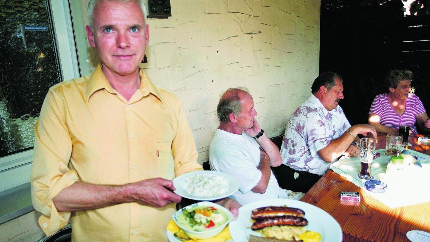 Bei Bernhard Weber gibt's Bratwürste, aber auch Thai-Gerichte.