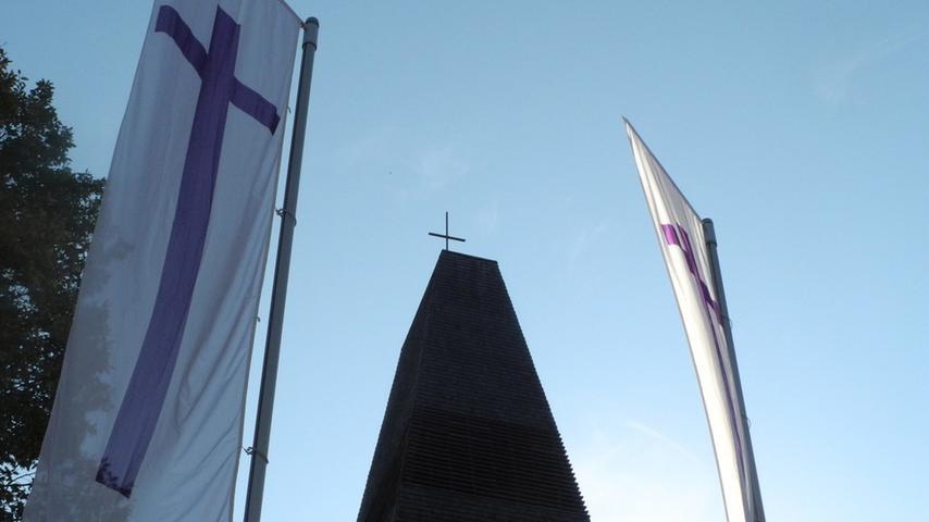 Beim Gemeindefest 2012 wurde Pfarrerin Andrea Schäfer in ihr Amt eingeführt.
