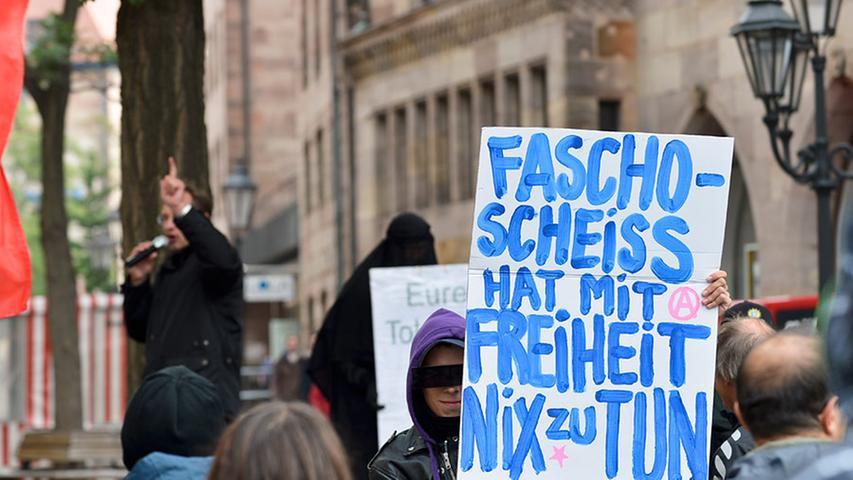 Nürnberg: Pfeifkonzert übertönt Auftritt von Rechtspopulisten
