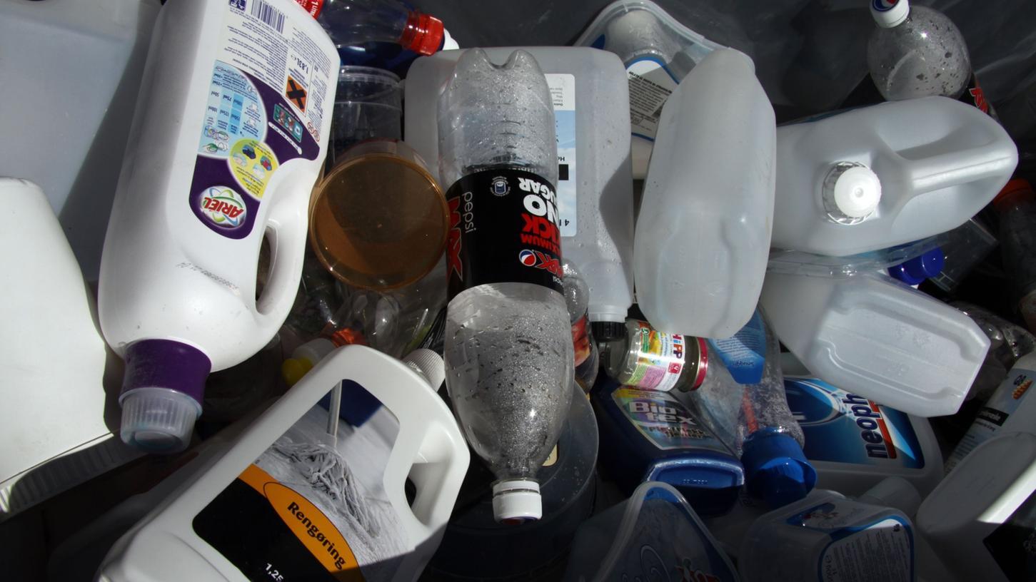 In Taipeh darf der Müll nicht in jede x-beliebige Plastiktüte gesteckt werden, sondern nur in die offiziellen, die die Verwaltung herausgibt.