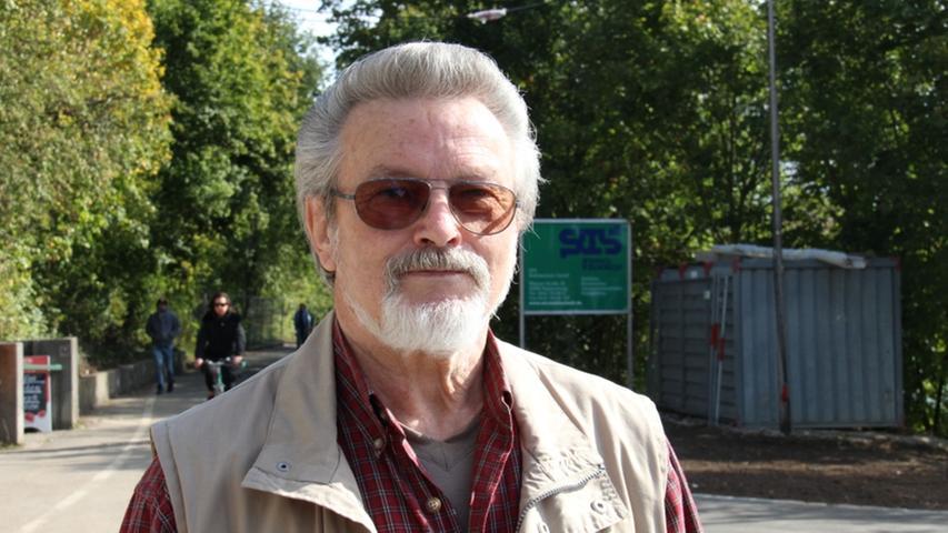 Helmut Giliard wohnt in der Gegend und verfolgt das Projekt schon seit langer Zeit.