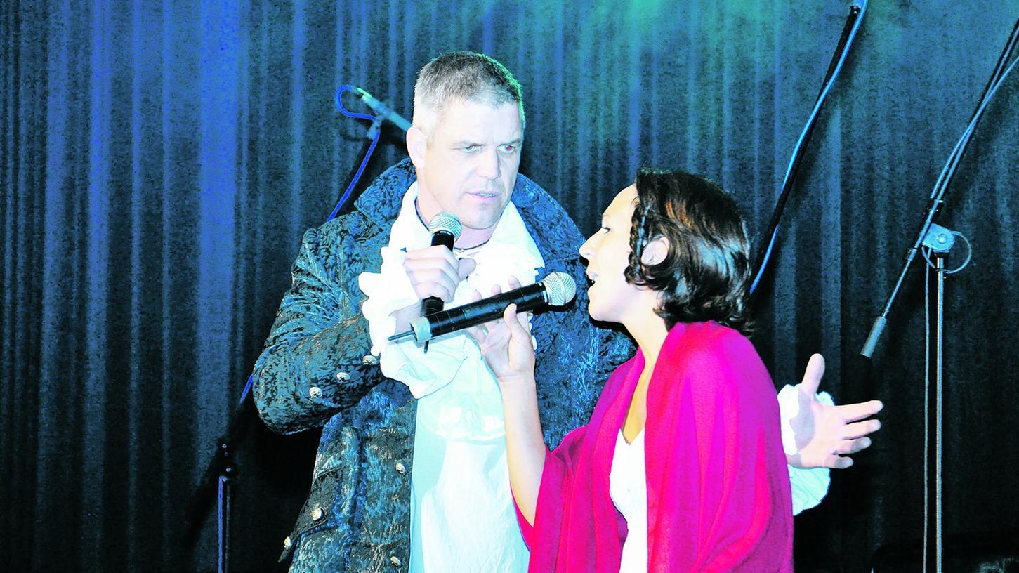Markus Munzinger und Patricia Kocher bei ihrem Duett aus dem Musical Tanz der Vampire.
