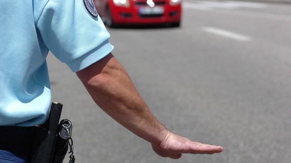 Seit sechs Jahren gesucht: Polizei nimmt Mann bei Verkehrskontrolle fest