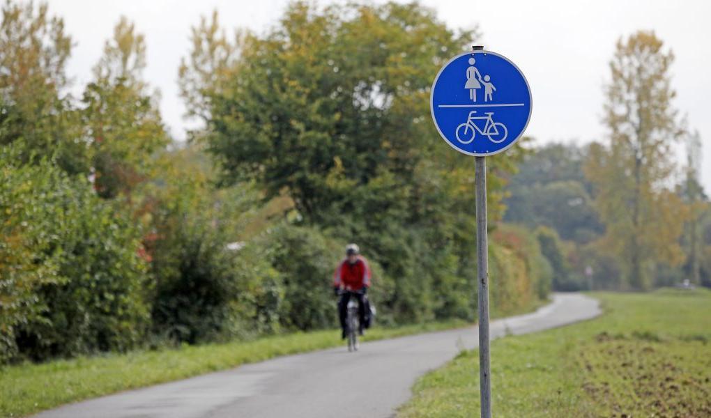 Auf dem Radweg von Buckenhofen nach Pautzfeld ist im August 2009 ein Sportradler mit einer Fußgängerin zusammengestoßen, das Oberlandesgericht Bamberg hat entschieden: Den Radler trifft 80 Prozent der Schuld.