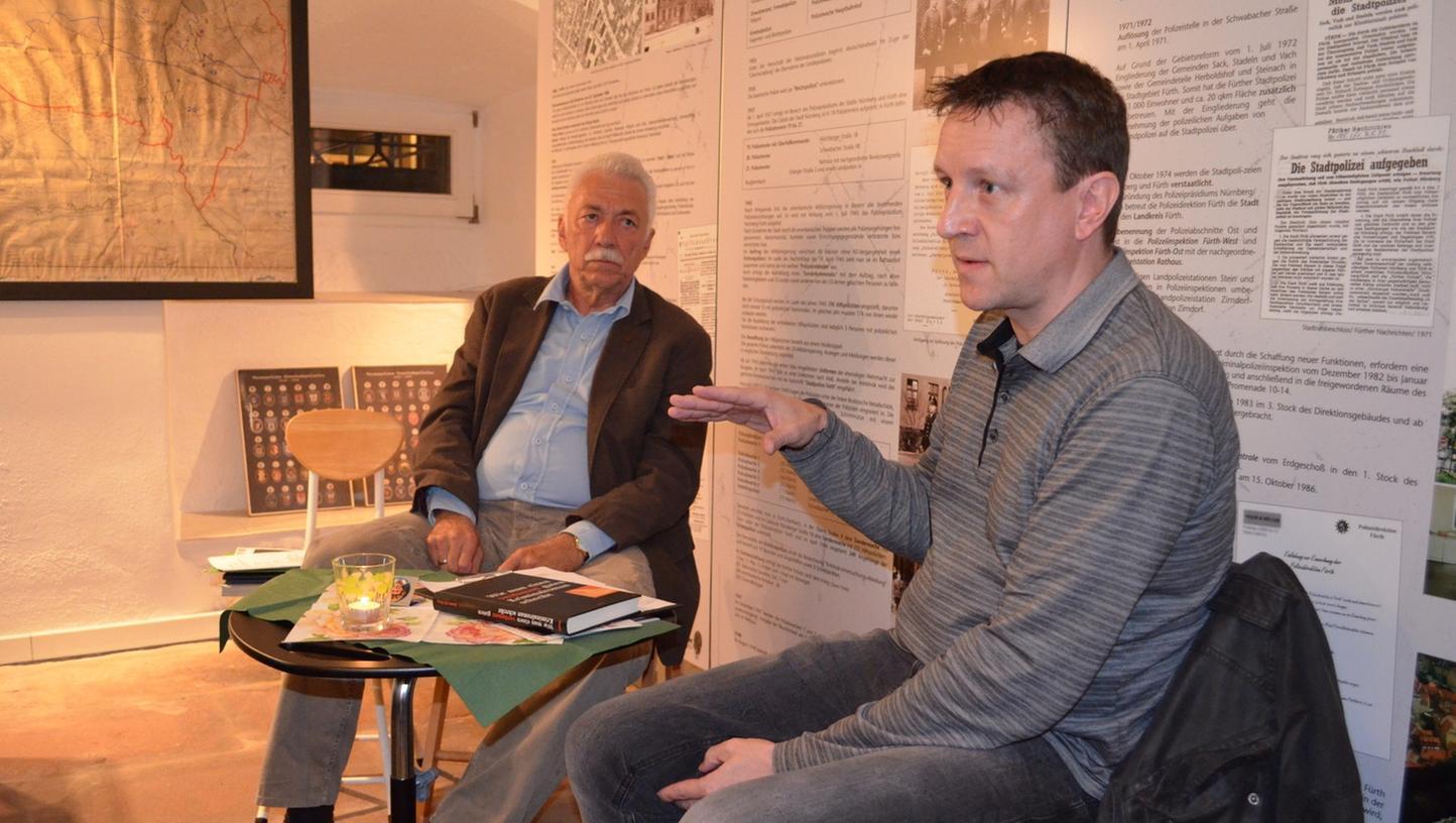 Wilfried Dietsch (links) und Josef Rauch plauderten aus dem Kriminalisten-Nähkästchen.
