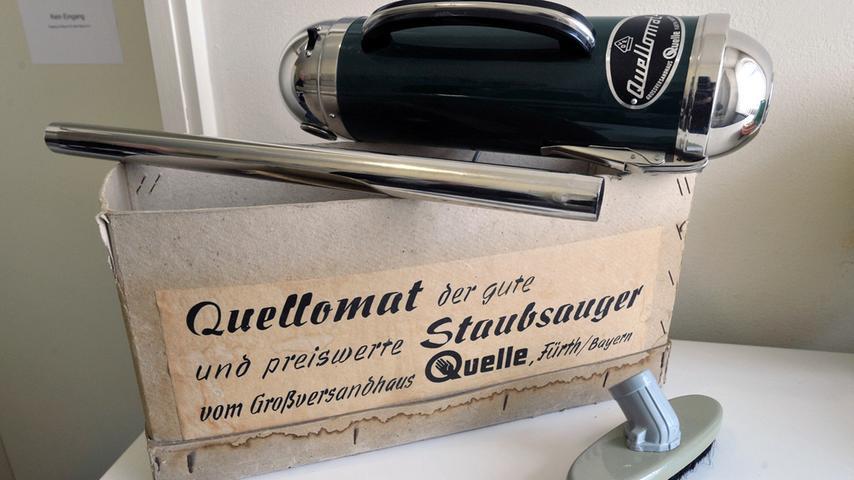 """Mitte der fünfziger Jahre begeisterte der handliche """"Quellomat""""-Staubsauger deutsche Hausfrauen."""