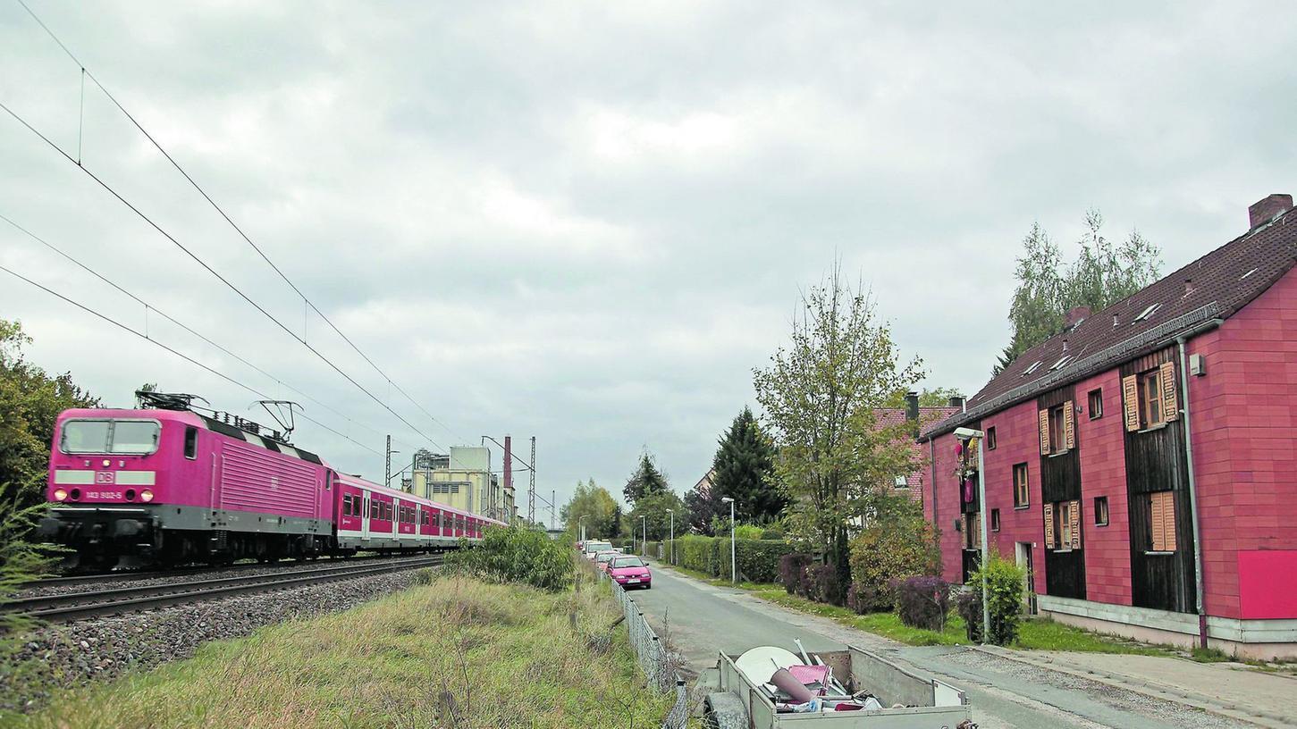 Ein S-Bahn-Halt im Forchheimer Norden, etwa hier am Ende der Jean-Paul-Straße, wäre notwendig.