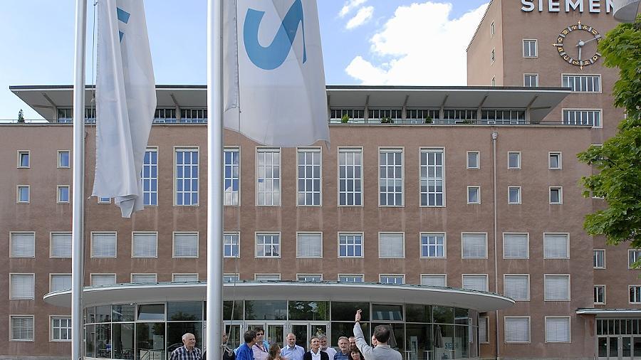 Die bei Siemens beschäftigten Mitglieder des Vereins Sonnenenergie wollten den Konzern von Mitarbeiter-Solaranlagen auf den Erlanger Liegenschaften überzeugen. Das scheiterte. Gescheitert ist nun auch das Großanlagengeschäft in der Solarenergie.