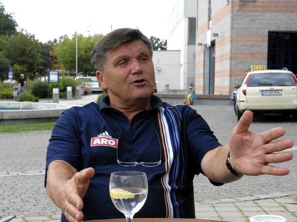 RESSORT: Sport 1.8.06 FOTOGRAF: Karlheinz Daut MOTIV: Fußball, FC Nürnberg, Cheftrainer Hans Meyer