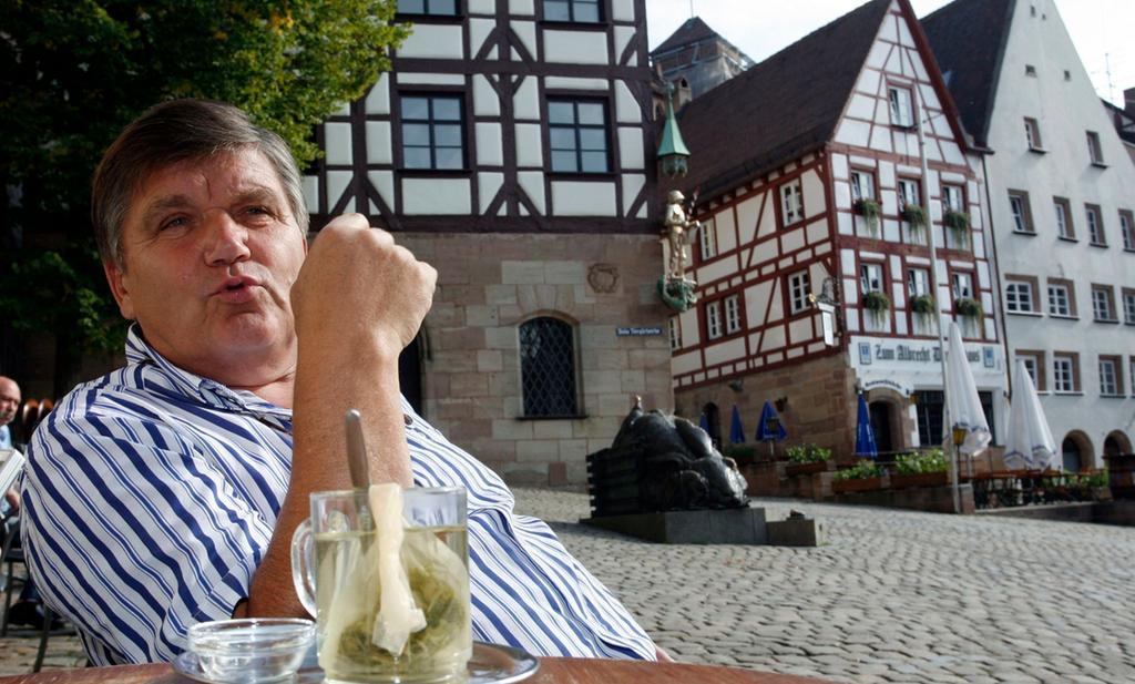 Motiv: Interview mit Hans Meyer Tiergärtnertor Datum: 10.09.2012 Foto Roland Fengler