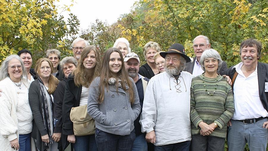 Aus Rührschneck wurde in den USA Riehrschneckh, Ruehrschneck, Rushneck, Rasnake, Rasnick oder Rasnic: Einige Mitglieder der verschiedenen Familienclans trafen sich jetzt in Stein.