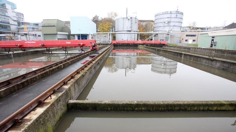 Nürnbergs Klärwerke behandeln rund 66 Millionen Kubikmeter Abwasser pro Jahr. Das kostet 89,1 Millionen Euro. Dazu kommen jährlich Kosten für die Schlammentsorgung in Höhe von 6,2 Millionen Euro.