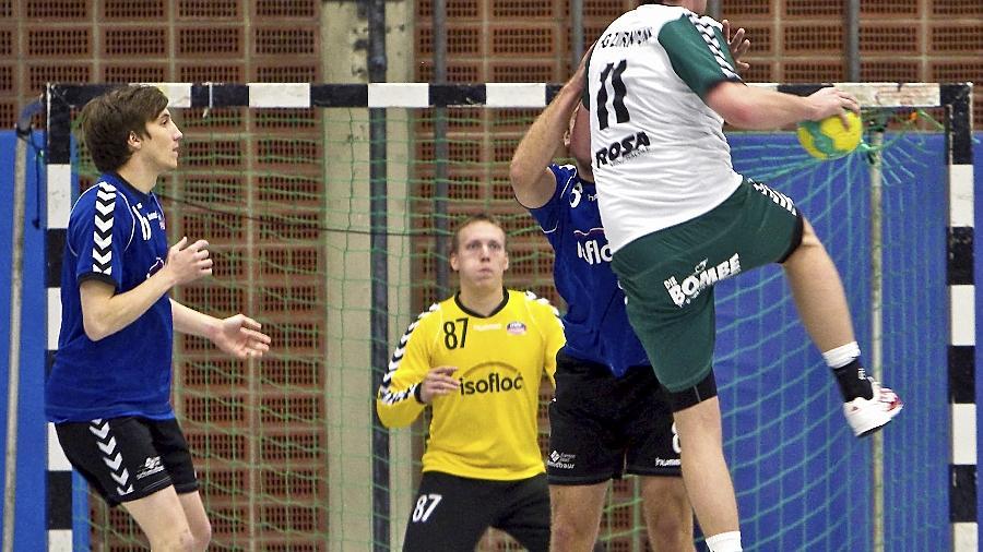 Immerhin fünf Treffer gelangen dem Zirndorfer Dan Boescu — hier im Angriff — gegen Stadeln. Am Ende gewann allerdings der MTV.