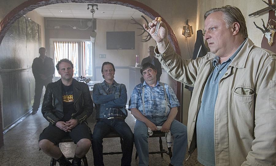 """Axel Prahl (rechts) als Hauptkommissar Frank Thiel in """"Das Wunder von Wolbeck"""", dem Jubiläums-""""Tatort"""" aus Münster, der, am kommenden Sonntag ausgestrahlt wird."""