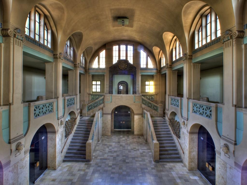 Wie eine Zeitreise: Schon der Eingangsbereich macht mächtig Eindruck.
