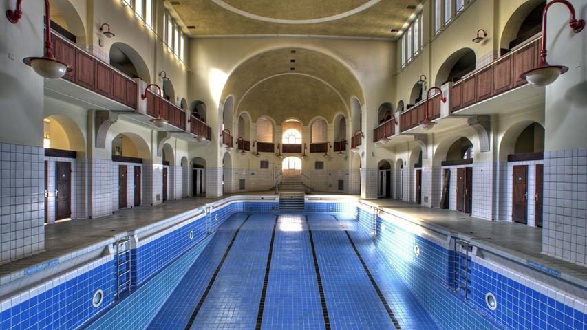 Der städtische Eigenbetrieb NürnbergBad könnte das Bad im öffentlichen Betrieb mit Schulschwimmen und Sauna sogar mit einem Gewinn betreiben, so ein externer Gutachter.