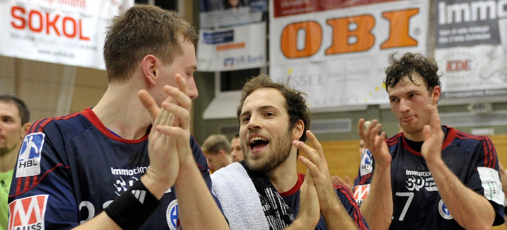 Zwölf Tore auf einem Bild: Insbesondere Nikolai Link (links) und Moritz Weltgen (Mitte) zeigten sich gegen Bietigheim treffsicher. Auch Oliver Hess netzte einmal ein.