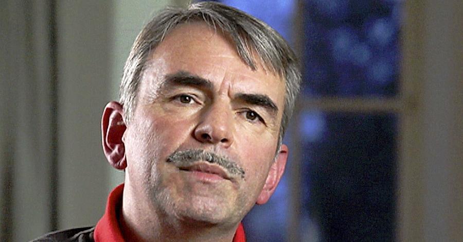 Der 56-jährige Nürnberger Gustl Mollath darf jetzt auf ein neues Verfahren vor Gericht hoffen. Derzeit ist er in der Bayreuther Forensik eingesperrt.