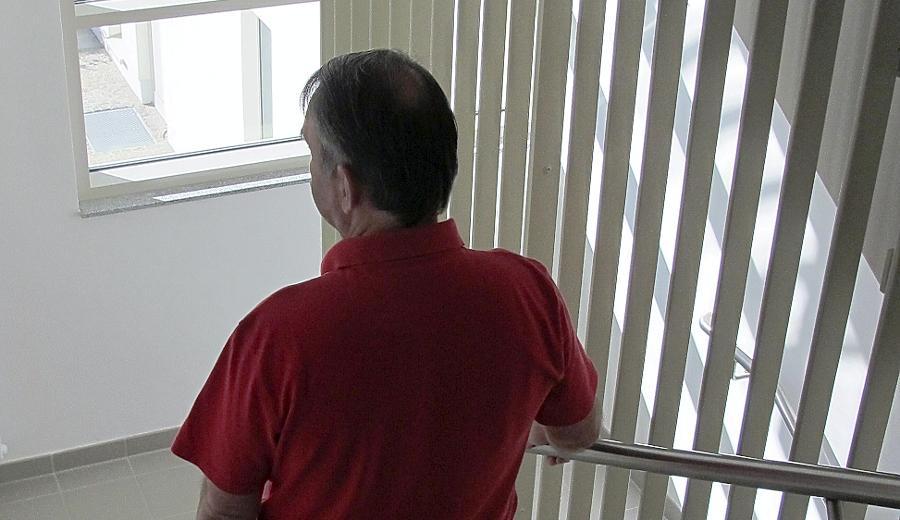 Mollath ist seit Jahren in der Bayreuther Psychiatrie eingesperrt. Er lebt dort mit psychisch kranken Straftätern zusammen.