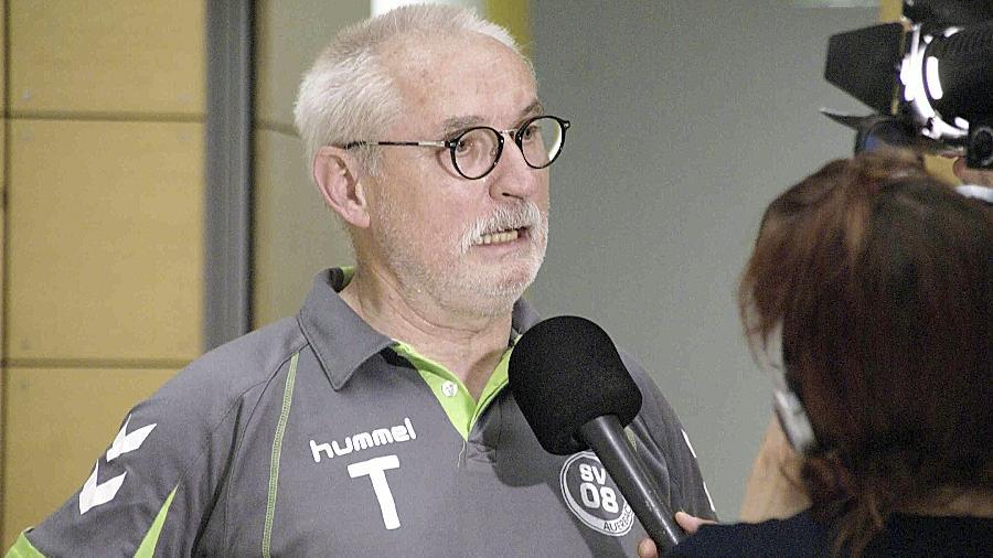 Gefragter Fachmann: Der in Handballerkreisen bestens bekannte Klaus Jahn, hier noch Trainer des Bayernligisten SV 08 Auerbach, soll beim TV Roßtal wieder für Ruhe und Punkte sorgen.