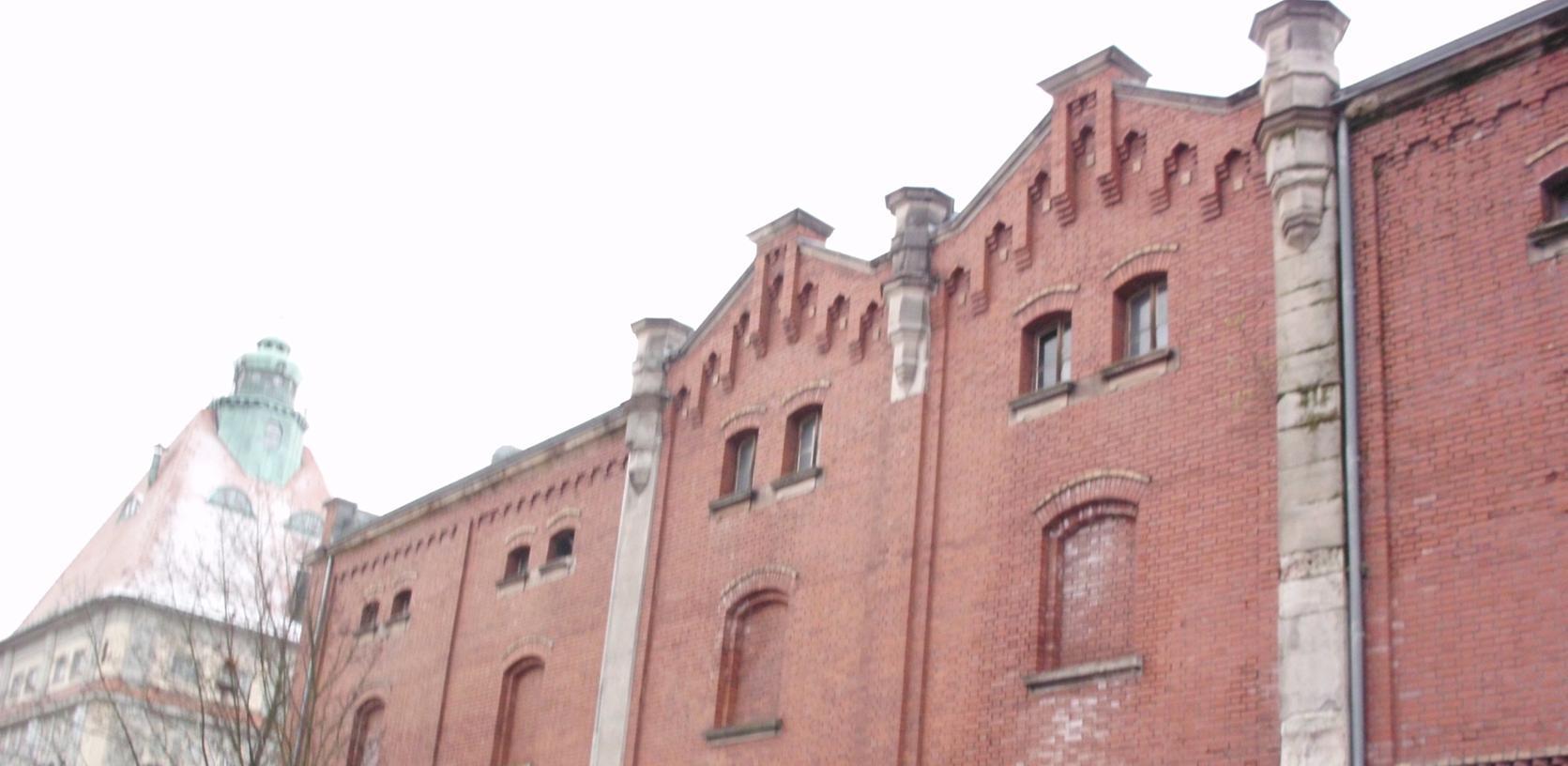 Heruntergekommenes Schmuckstück das 116 Jahre alte Gärhaus mit seiner kunstvoll gemauerten Fassade in der Fürthr Fichtenstraße.