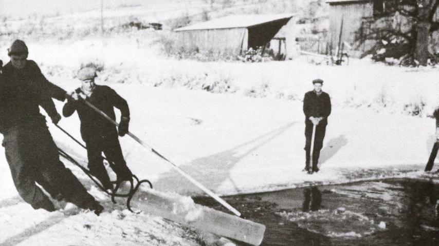 Für die Brauerei-Saisonarbeiter hatte die Eiszeit auch eine soziale Komponente: In den Jahren 1904 bis 1906 zahlte beispielsweise eine Fürther Brauerei Beiträge an die Allgemeine Ortskrankenkasse in Lindelburg. Sie waren damit also krankenversichert.