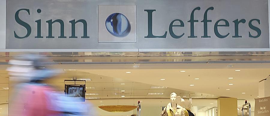 2013 gelingt der nächste Coup der Wöhrls. Die Textilkette Sinn Leffers gehört fortan zum Besitz der Familie Gerhard Wöhrl. Damit schnitt sich das Unternehmen aber wohl in das eigene Fleisch. Restrukturierungsexperte Dr. Christian Gerloff kritisierte die Übernahme und betitelte sie als