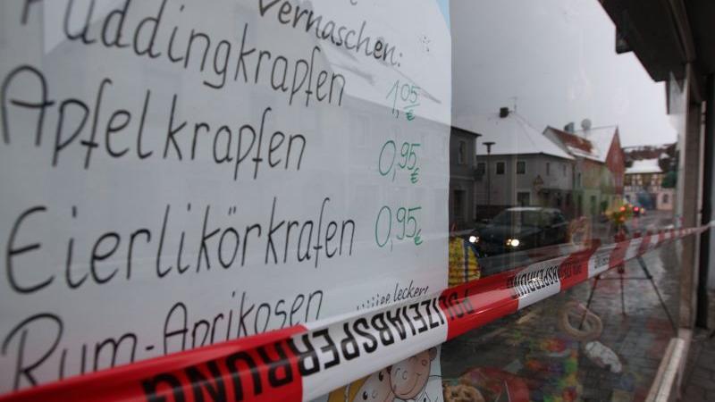 Erst am Montagnachmittag überfiel ein Unbekannter eine Baeckereifiliale in der Hauptstraße in Baiersdorf (Erlangen-Höchstadt).