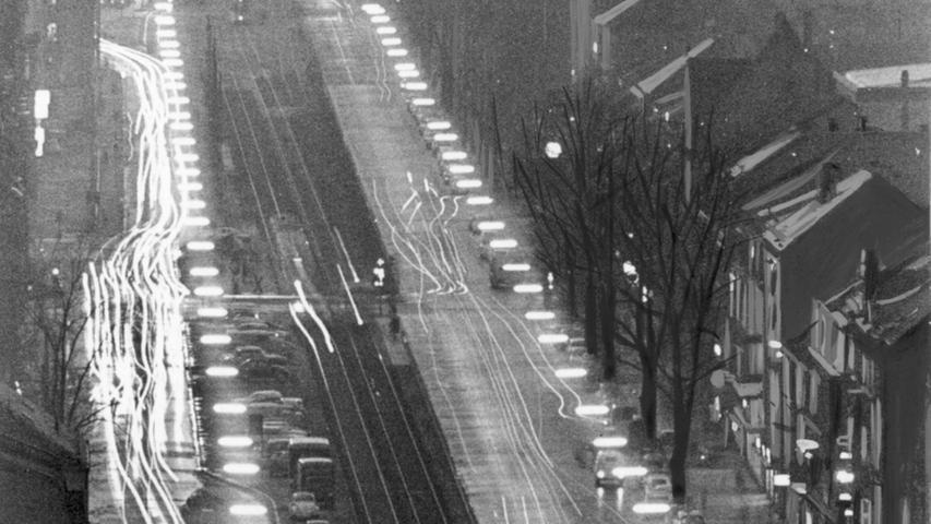 ...und Nachtzeit war viel Verkehr auf der Fürther Straße.