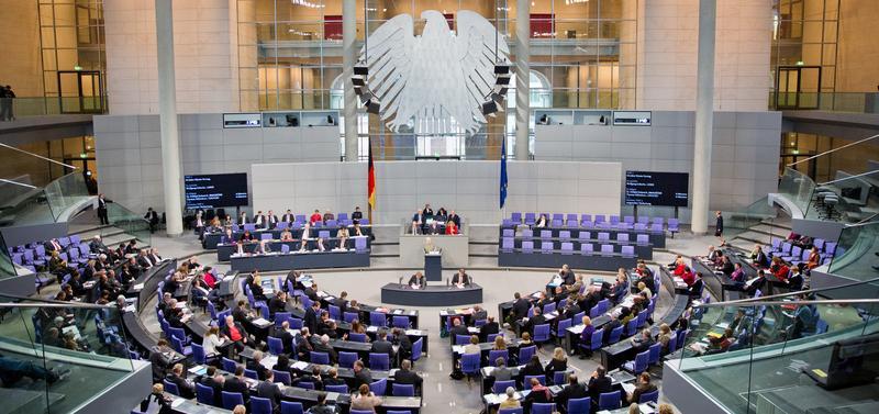 Die Besetzung der Ministerposten wird noch offen gelassen. Fest steht jedoch: Die SPD stellt sechs, die CSU drei und CDU fünf Minister und den Kanzleramtminister.
