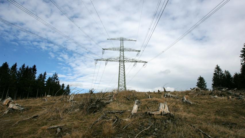 Anfang 2016 übernahm der Anbieter Tennet die Planung für die Stromtrassen im bayerischen Teil. Die Firma Amprion ist somit Geschichte.