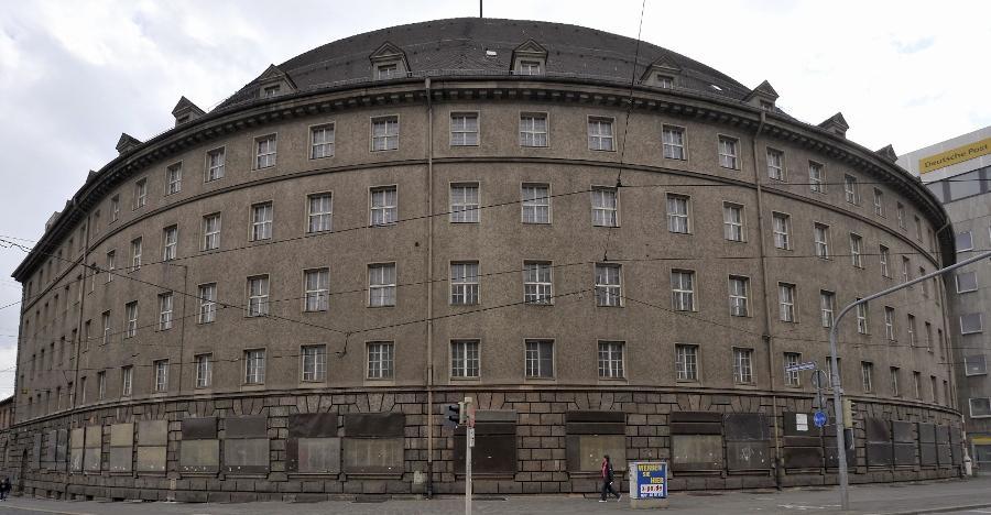 Der Post-Rundbau an der Ecke Bahnhofstraße/Allersberger Straße.
