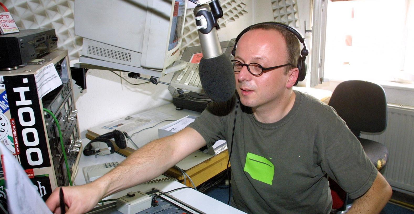 Die Städte machen sich für Radio Z - im Bild Moderator Stefan Wagner - bei der Bayerischen Landeszentrale für Neue Medien stark.