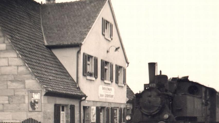 Im November 1886 wurde die Bahnlinie feierlich eröffnet. Als die