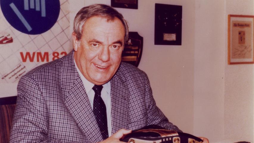 Armin A. Dassler, Sohn des Firmengründers Rudolf Dassler, erfindet 1982 die Puma Duoflex-Sohle, mit denen Leichtathleten Weltrekorde aufstellen.