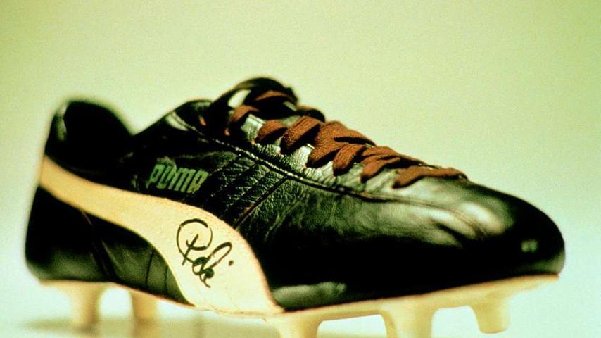 Doch schon eher machte Puma vor allem mit prominenten Persönlichkeiten aus dem Sport auf sich aufmerksam. Pelé, der Weltfußballer des Jahrhunderts, trug Puma-Schuhe.