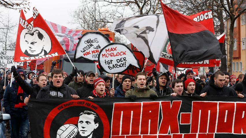 Clubfans demonstrieren für das Max-Morlock-Stadion