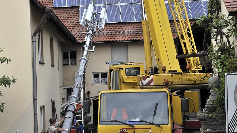Mit dem Aufstellen des Mobilfunkmasts in Eltersdorf begann der Streit im Ort.