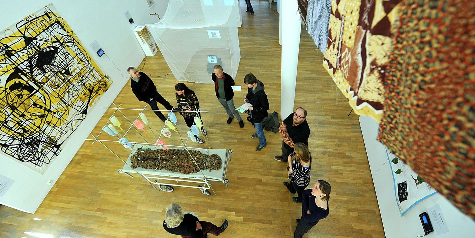 Internationale Kunst in Fürth: Die Wanderausstellung zum Banyan-Baum, auch Würgefeige genannt, etwa zeigte im Frühjahr Arbeiten von 50 Künstlern aus 25 Ländern. Nun droht der Kunstgalerie die Schließung.