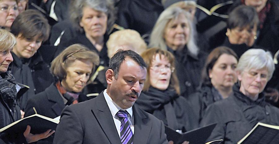 Gastspiel in Dietersdorf: Die Sängerinnen und Sänger der Schwabacher Kantorei.