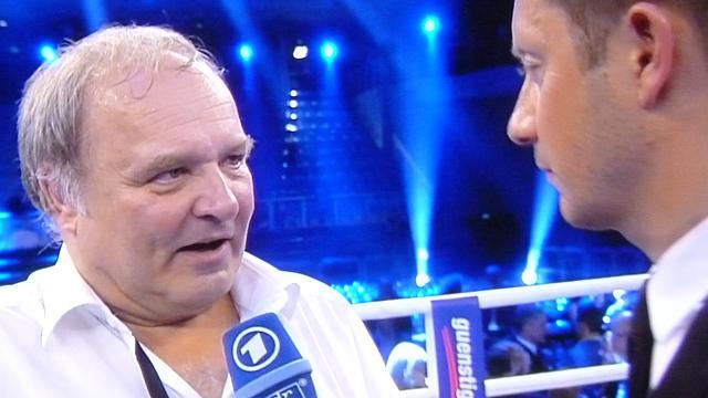 Nicht nur nach dem legendären Boxkampf von Arthus Abraham war Ringarzt Dr. Walter Wagner aus Pegnitz ein gefragter Interviewpartner im Fernsehen. Seine lapidare Erklärung dafür, warum er Abraham nicht aus dem Kampf genommen hat: