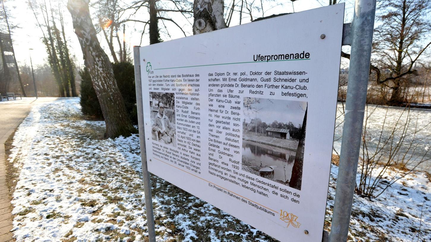 An der Uferpromenade erinnert eine Gedenktafel an Rudolf Benario