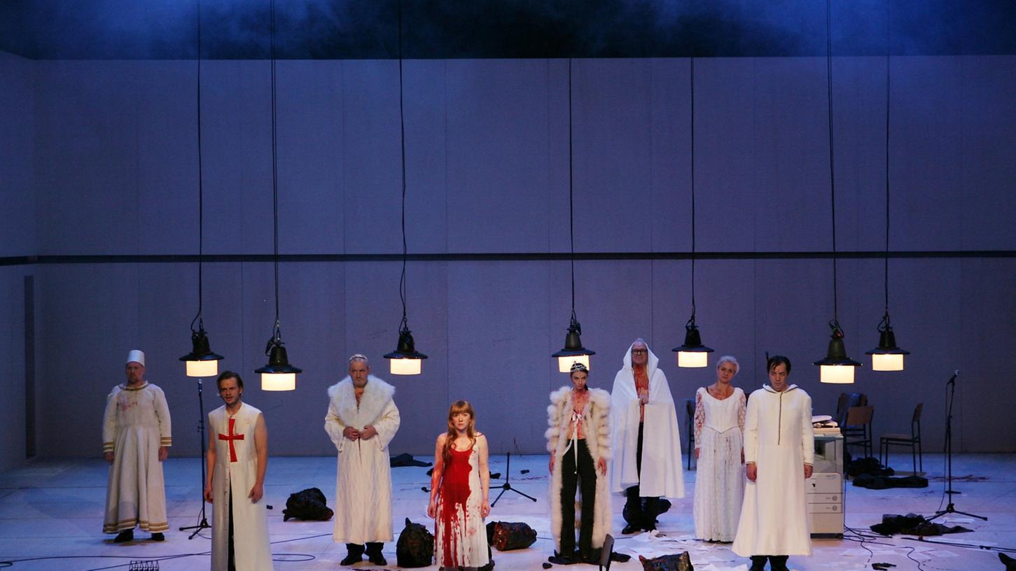 Szene aus Georg Schmiedleitners Nürnberger Inszenierung von