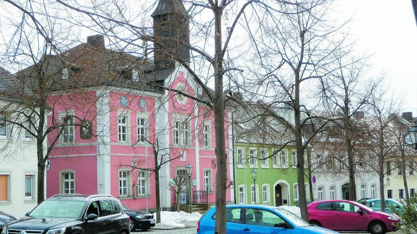 Vor dem Rathaus in Lichtenberg (im Bild) hat man sie zuletzt gesehen - ganz in der Nähe wohnte die Schülerin mit ihrer Mutter.