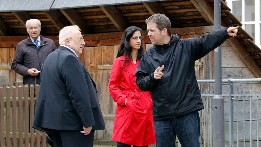 Szene um Szene kommt Karl Heilmann seinem Ziel näher: ein Franken-Krimi in Forchheim. Die Dreharbeiten sind derzeit in vollem Gange. Im Zentrum der Geschichte: ein machthungriger Politiker und alte Seilschaften. Mit von der Partie ist auch Franz Stumpf. Er spielt, was er im wahren Leben auch ist: Oberbürgermeister.