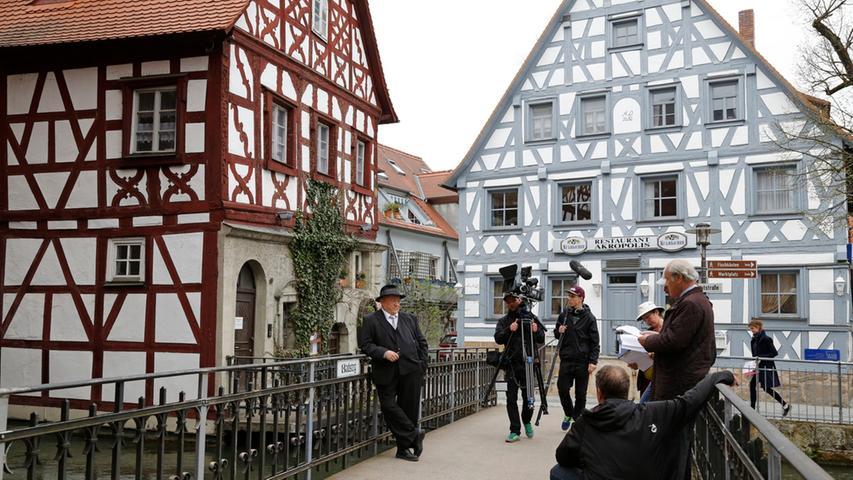 2013 wurde auch ein Franken-Krimi in Forchheim gedreht. Im Zentrum der Geschichte: ein machthungriger Politiker und alte Seilschaften. Mit dabei war auch der damalige Oberbürgemeister Franz Stumpf. Viele weitere Bilder dazu gibt es hier.