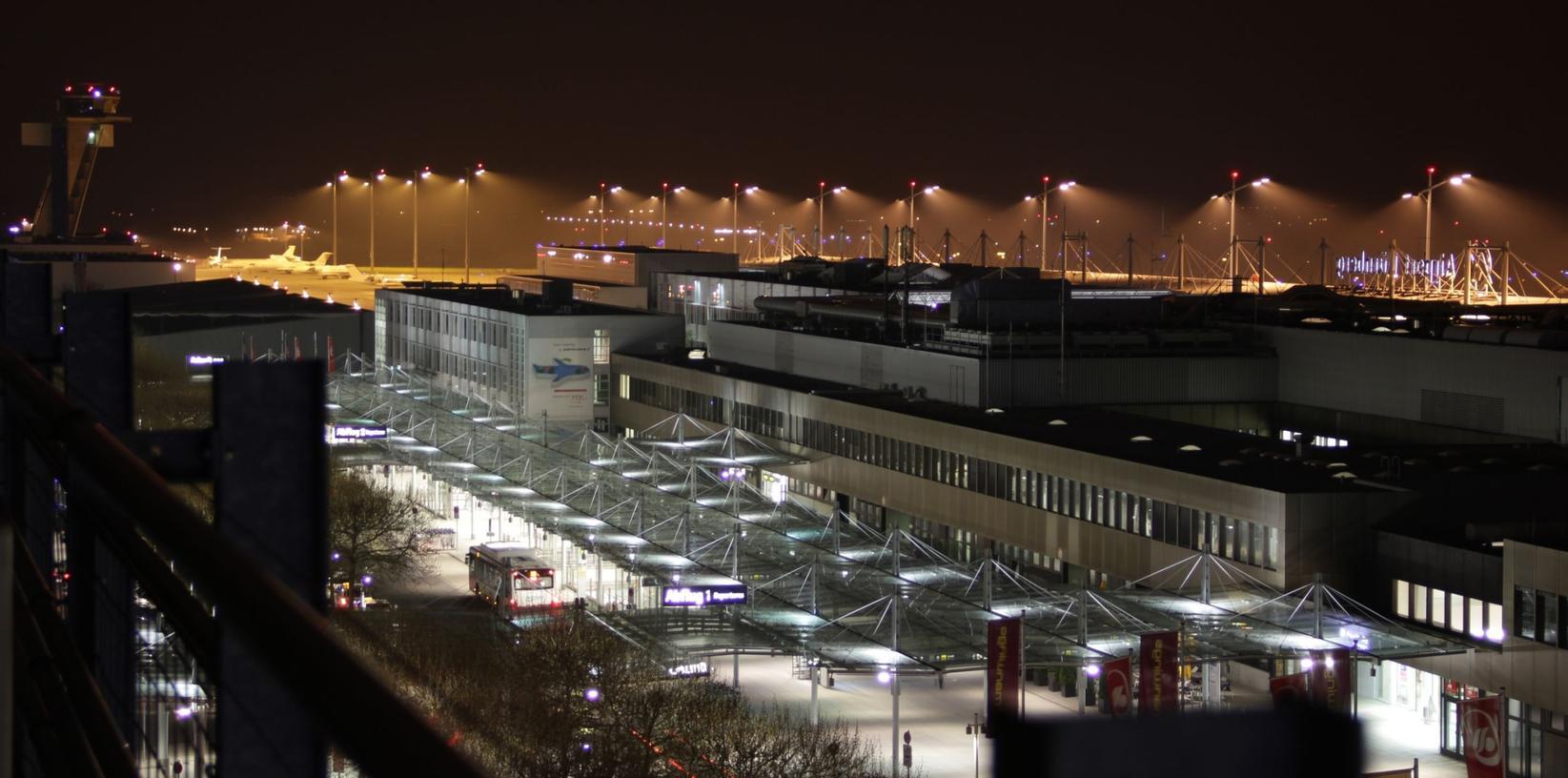 Hamburger Berater haben einen Plan ausgeklügelt, der den Nürnberger Flughafen wieder in die schwarzen Zahlen bringen soll.
