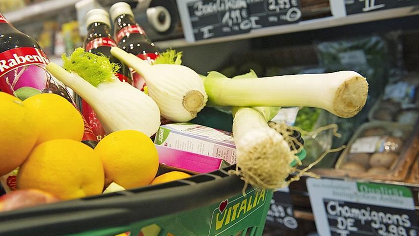 Veganer leben ohne tierische Produkte. Das gilt nicht nur für die Ernährung. Sie verzichten beispielsweise auch auf Leder und Wolle.