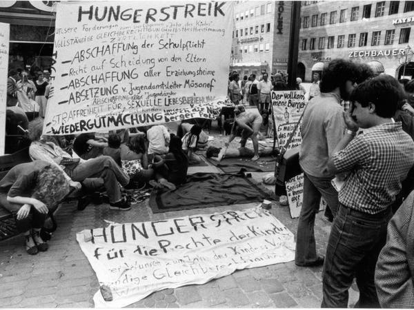 """... """"völlige Gleichheit"""" für Kinder und Jugendliche: Die Nürnberger """"Stadtindianer""""..."""