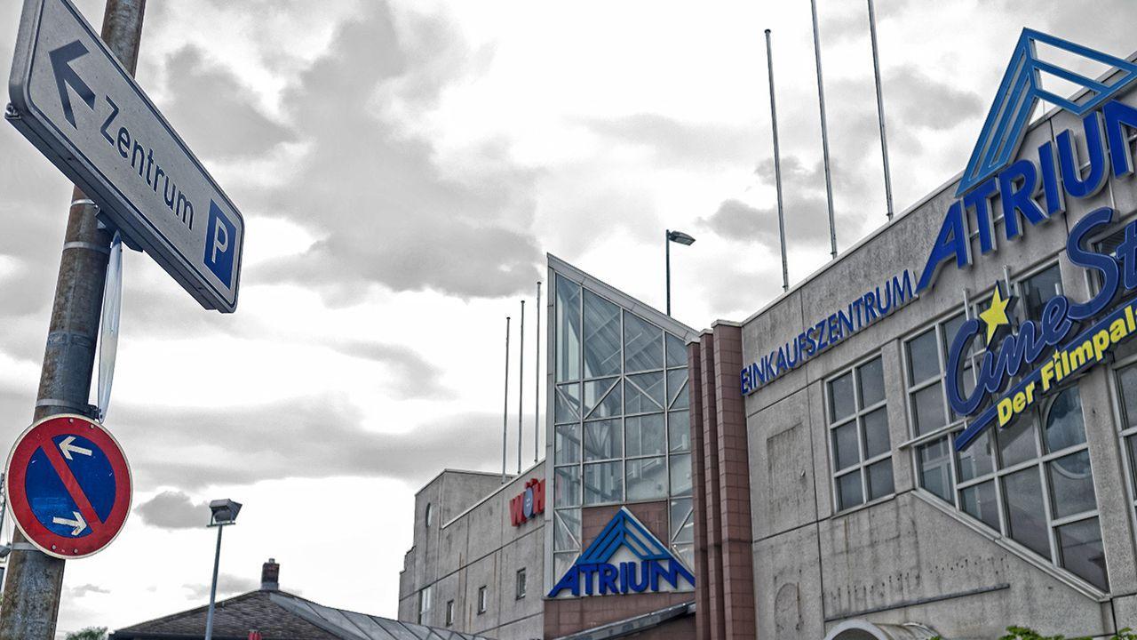 Leerstehende Geschäfte, triste Fassade und verlassene Gastronomien gehören nun bald der Vergangenheit an: Innerhalb der nächsten zwei Jahre soll das Atrium am Bamberger Bahnhof wiederbelebt werden.